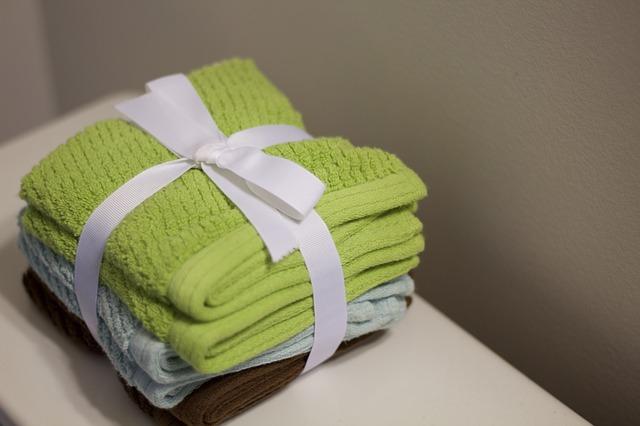 svázané ručníky