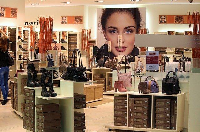 obchod s obuví a kabelkami.jpg