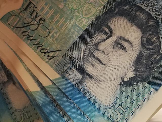 královna na bankovce.jpg