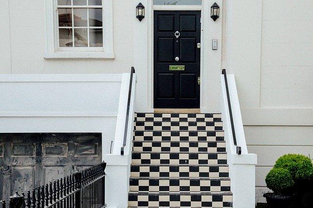 schody k domu