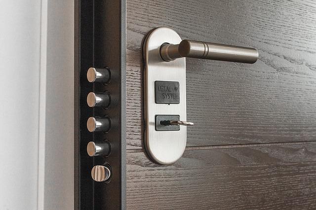 čtyřbodové zabezpečení dveří