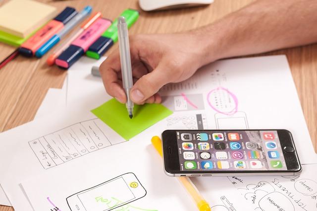 mobil s plánováním web designu