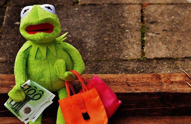 žába s taškami, peníze